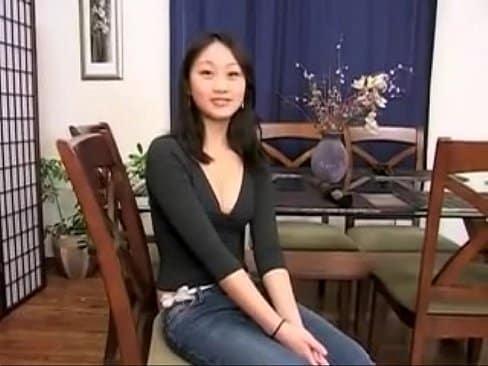 Me folle analmente a mi vecina asiatica mientras su marido estaba trabajando